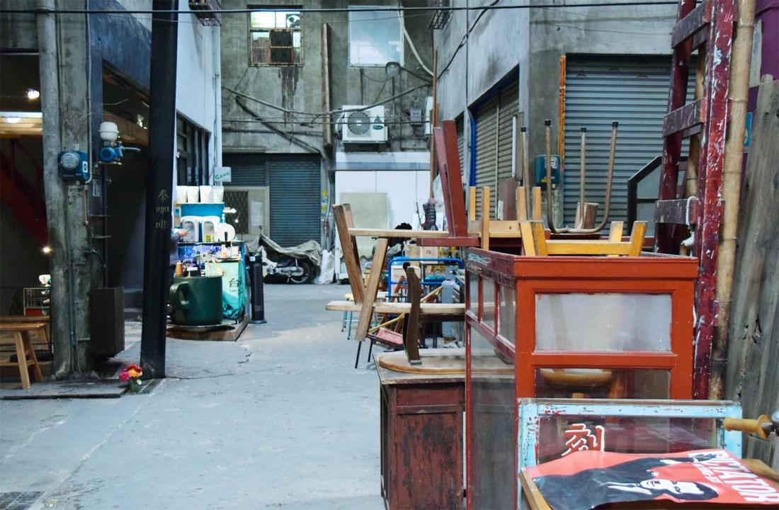 忠信市場內可觀察到很傳統的庶民文化(攝影/Yuling Chiu)